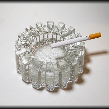 Bark Textured Glass Ashtray --- PUKEBERG ( Sweden ) - Tobacciana