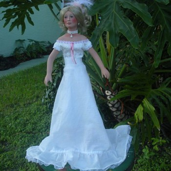 A doll of 1999 , signed as Katrina Stone ?, the last name cannot understand