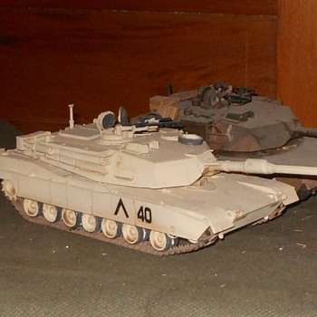 M1 and M1A1 Abrams Tank Models 1/35 Scale - Military and Wartime