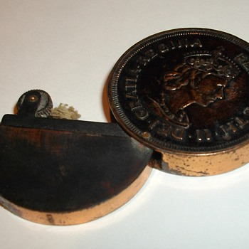 Bermuda Crown Coin Lighter