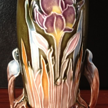 Unknown Art Pottery vase - Art Pottery