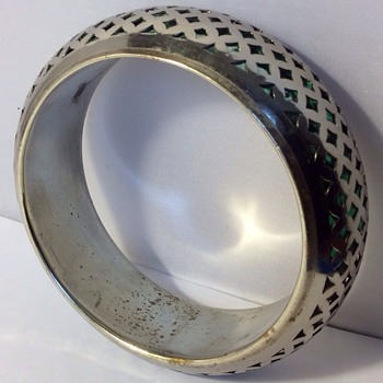 Vintage lattice work bangle