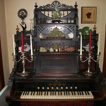 Victorian Parlor Organ