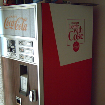 Coca~Cola 1967 can Drink Machine 105 cans 5-75cents - Coca-Cola