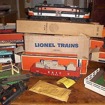 LIONEL NO. 2263w SET w/2350-EP5 NEW HAVEN 6468-25 box and extras - Model Trains
