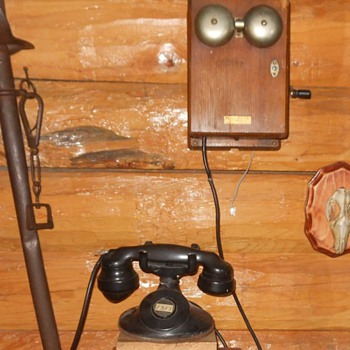 Western Electric Telephone with 315H Ringer Box - Telephones
