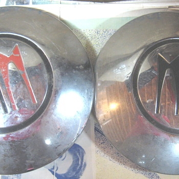 Mystery Hubcaps - Classic Cars