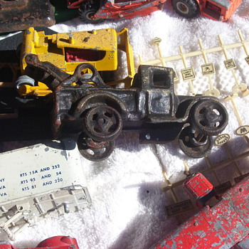 Cast Iron Wrecker & Lionel/Hubley from my own barn loft - Model Trains