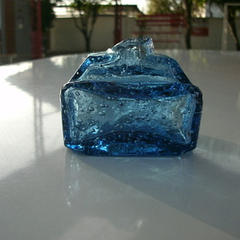 blue inkwell
