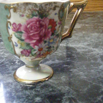 My poor crooked HB Tea cup  - China and Dinnerware