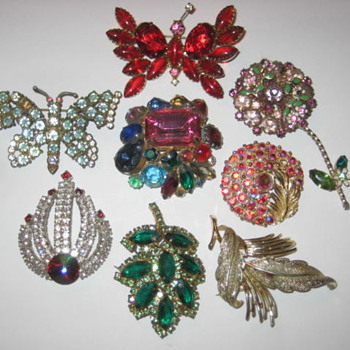 Costume Jewelry Broaches - Costume Jewelry