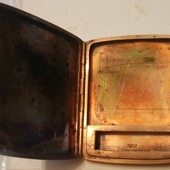 A & Co Ltd 1931 gold matchsafe