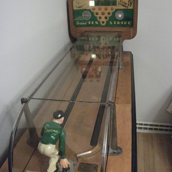 Evans Ten Strike Arcade Game - Coin Operated