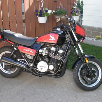 1984 HONDA CB700 NIGHTHAWK S. - Motorcycles
