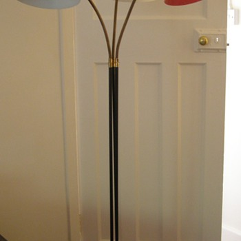 Unknown age 3 shade floor lamp - Lamps