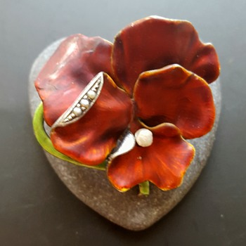 Kyratised Meyle and Mayer enamel pansy brooch. - Fine Jewelry