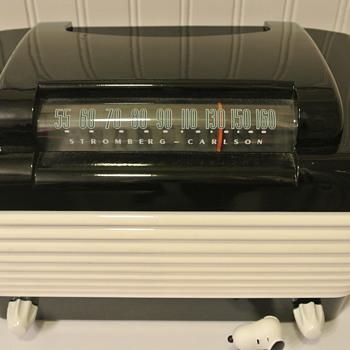 Stromberg Carlson 1500 Bakelite Tube Radio