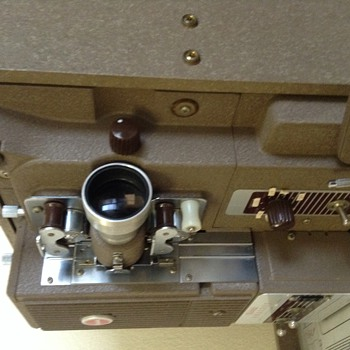 Kodak analyst 16mm projector