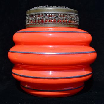 Tango posy vase with arranger