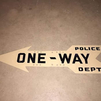 "1930s-1940s NYPD ""ONE-WAY"" arrow sign"