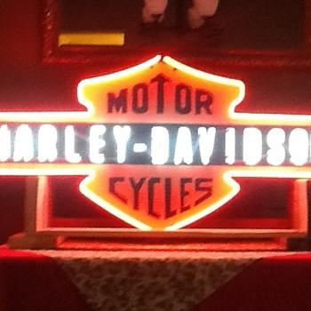 Harley Neon