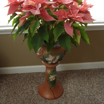 My roseville Magnolia Jardiniere and pedestal - Art Pottery