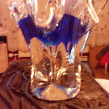 HELP!!!  Beautiful cobalt blue with white piping bowl/vase? Its on ebay uk so the sooner the better thank you - Art Glass