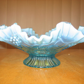 Beautiful Ruffled Edge Bowl