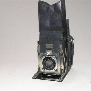 Newman &amp; Guardia, Folding Reflex Camera, 1921. - Cameras