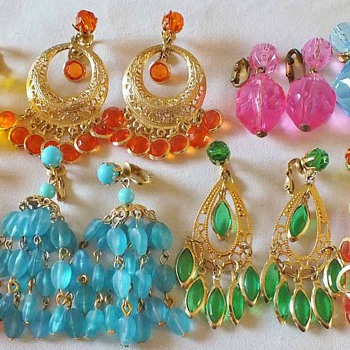 Crazy Clear & opaque lucite earrings - Costume Jewelry