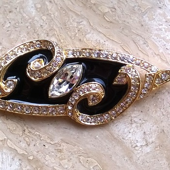 1980s Trifari Brooch - Costume Jewelry