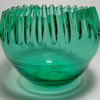 Ribbon Edge Glass Bowl - Art Glass