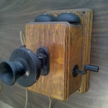 Antique wood wall phone - Telephones