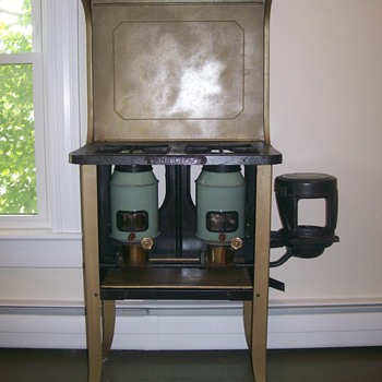 New Perfection 502 Kerosene Stove - Kitchen