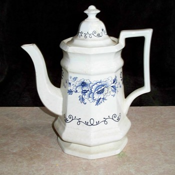 19th century Bennington Hound Handle Pitcher - China and Dinnerware