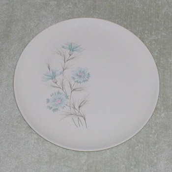 Boutonniere Pattern China Plate