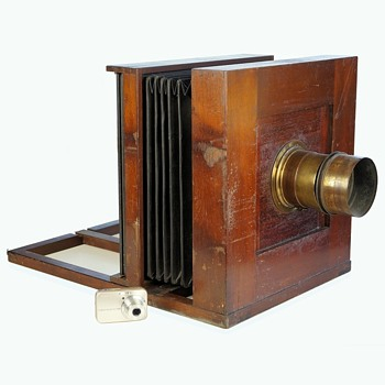 The Good Old Days!? A huge 1850s collodion American field camera - Cameras
