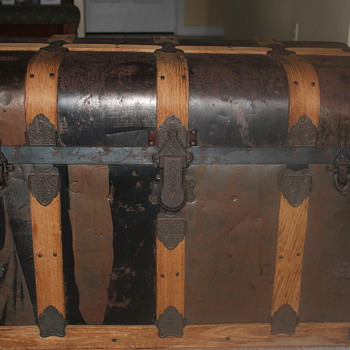 Auction Deal on old trunk - Furniture