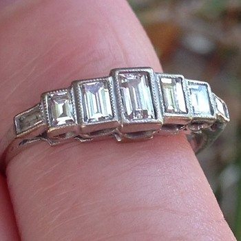 Art Deco or Modern Ring - Fine Jewelry