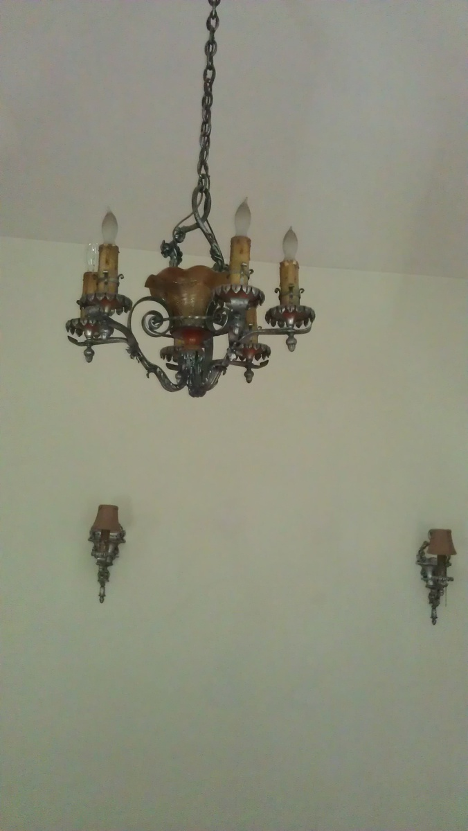 Do Wall Sconces Have To Match Chandelier : Lion Electric Mfg 1925 Chandelier & matching wall sconces Collectors Weekly