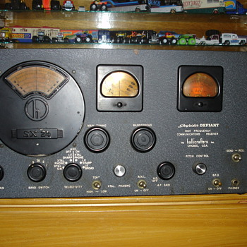 Antique Shortwave reciver Hallacrafter Sky-24