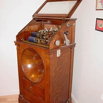 "Earlist ""Jukebox"" Regina Hexaphone - Music Memorabilia"
