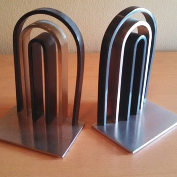 "Art Deco Chase ""Arch"" Bookends"