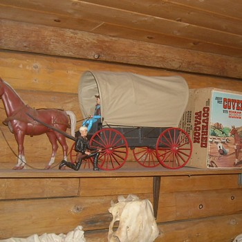 Marx Jonny West Covered Wagon With Horse - Toys