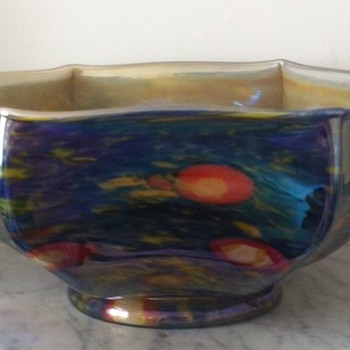 Caned iridescent hexagonal glass bowl with ground pontil mark