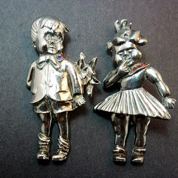 Sweet Boy & Girl Articulated Brooches