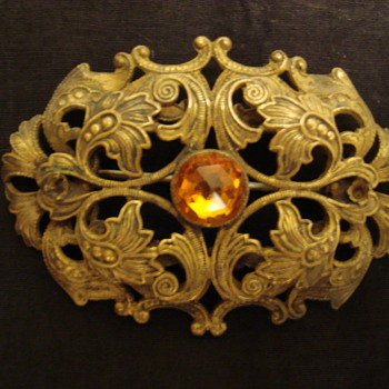 Cool looking brooch - Costume Jewelry