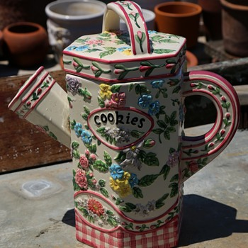 Cookie Jar - majolica? - Kitchen