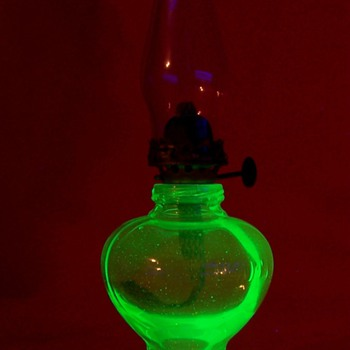 Small Uranium Glass &quot; Handy Lamp &quot; - Lamps