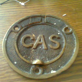 brass gas sign/lid not sure - Petroliana